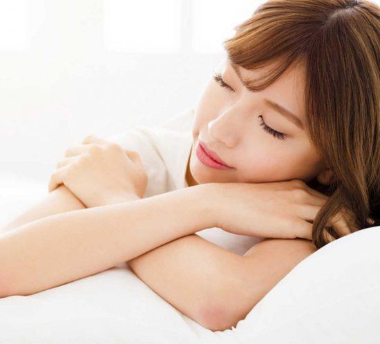 Schöne Haut durch genügend Schlaf