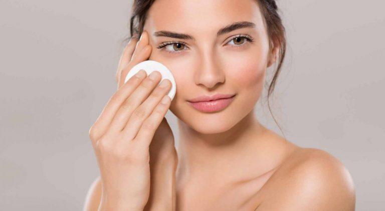 Richtig abschminken für schöne Haut: 5 Schritte