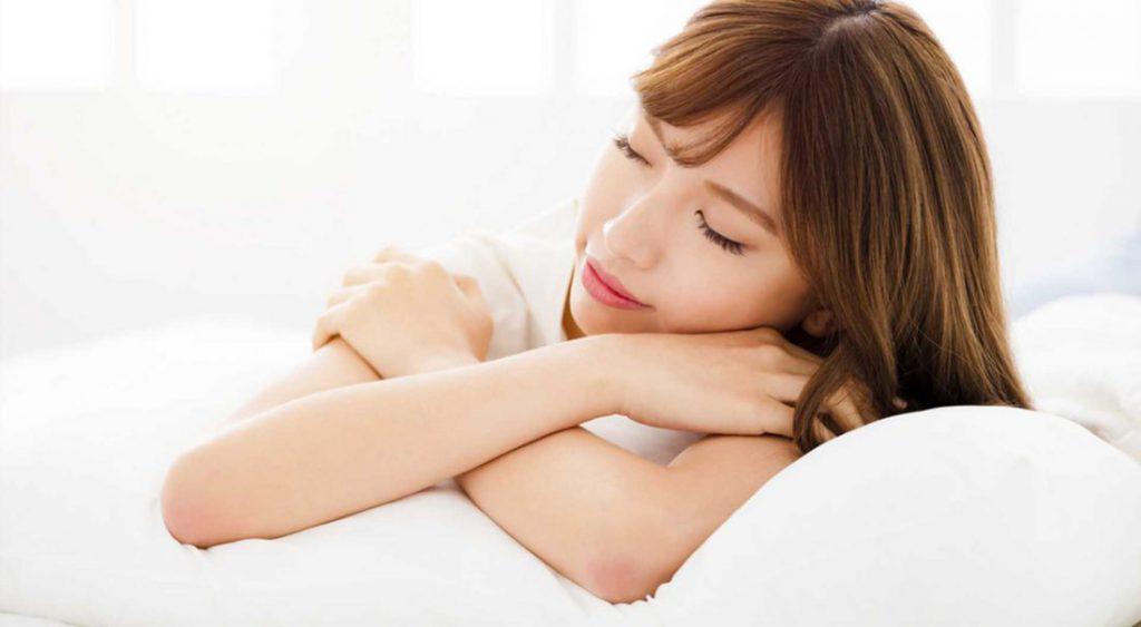 Schöne Haut im Schlaf mit Cellusana Nachtcreme